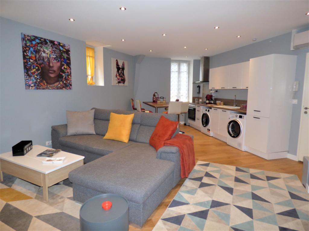 MOULINS CENTRE - APPARTEMENT STANDING MEUBLE 2/6