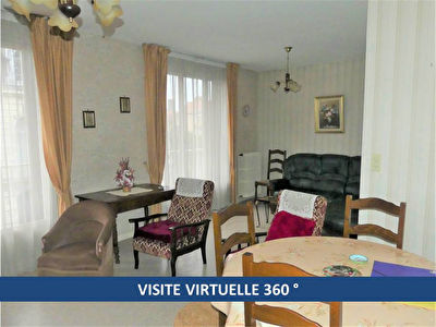MOULINS, EN EXCLUSIVITE !  Appartement de type F3 bis en centre ville